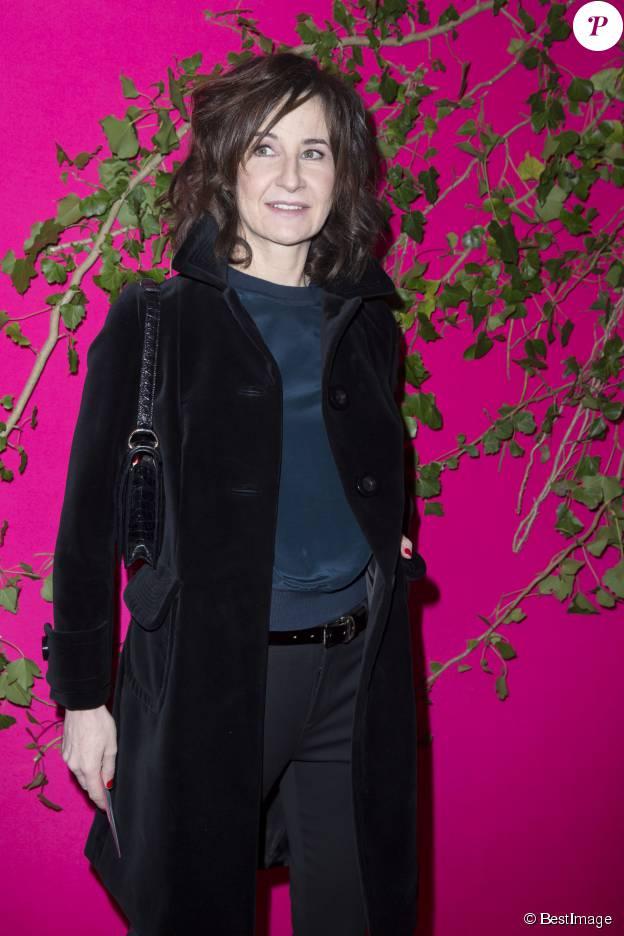 Valérie Lemercier au défilé de mode Schiaparelli collection Haute Couture printemps-été 2015/2016 à Paris le 26 janvier 2015.