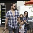 Scot Disick, Kourtney Kardashian et leurs enfants Mason et Penelope à Los Angeles. Le 10 mars 2015.