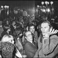 """"""" Helmut Berger lors de la soirée L'Ange Bleu à Paris en 1975 """""""