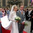 Le prince Alexander de Schaumburg-Lippe et son épouse Nadja-Anna lors de leur mariage à Bückeburg, en Allemagne, le 30 juin 2007. Le couple a annoncé sa séparation en mars 2015.