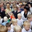 Le prince Alexander de Schaumburg-Lippe et sa compagne Nadja-Anna lors de leur mariage civil à Bückeburg, en Allemagne, le 28 juin 2007. Le couple a annoncé sa séparation en mars 2015.