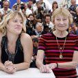 "Valeria Bruni Tedeschi et sa mère Marisa - Photocall du film ""Un château en Italie"" au Festival de Cannes, le 21 mai 2013."