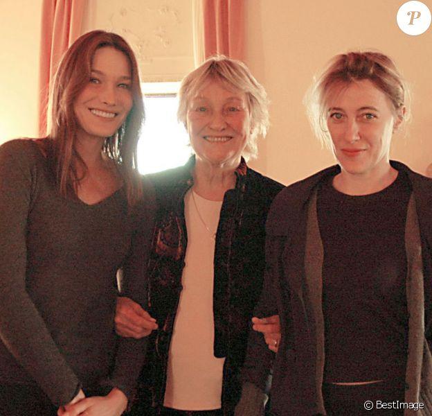 Marisa Bruni-Tedeschi entourée de ses deux filles, Carla et Valeria. À Venise, le 3 novembre 2009.