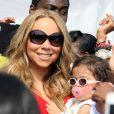 Mariah Carey, Nick Cannon et leurs jumeaux Monroe et Moroccan s'amusent dans une fete forraine a Santa Monica le 6 Octobre 2012.