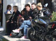 Johnny Hallyday, Laeticia et leurs filles : Virée shopping et baignade à Malibu