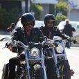 Exclusif - Johnny Hallyday fait un tour de moto avec un ami à Malibu, le 12 avril 2015.