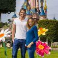 L'ex-Miss Valérie Bègue et Camille Lacourt ont profité du retour des beaux jours pour passer un moment féérique à Disneyland Paris. Avril 2015.