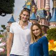 Valérie Bègue et son chéri Camille Lacourt ont profité du retour des beaux jours pour passer un moment féérique à Disneyland Paris. Avril 2015.
