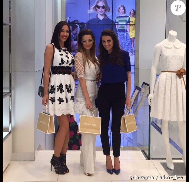 Emilie Nef Naf et Sidonie Biemont font du shopping ensemble à Milan. Avril 2015.