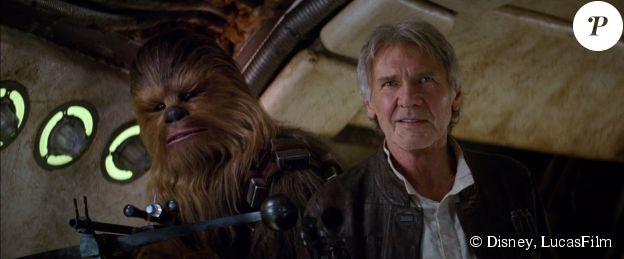 Han Solo et Chewbacca dans Le Réveil de la Force (2015).