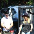 Hilary Duff (chaussures Isabel Marant modèle Dicker) et son mari Mike Comrie emmènent leur fils Luca à une fête d'Halloween à Los Angeles, le 18 octobre 2014