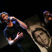 Amaury Vassili rend hommage à Mike Brant pour les 40 ans de sa disparition