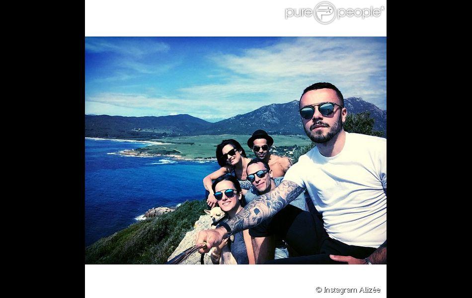 Johann Jacotey (frère d'Alizée), Alizée, Grégoire Lyonnet, Christophe et Coralie Licata réunis en Corse samedi 2 mai 2015.