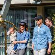 Tamara Ecclestone et sa fille Sophia quittent leur hôtel à Paris. Le 4 mai 2015.
