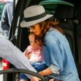 Tamara Ecclestone et sa fille Sophia, de sortie à Paris. Le 4 mai 2015.