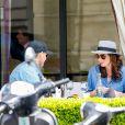 Tamara Ecclestone déjeune au restaurant L'Avenue, dans le 8e arrondissement. Paris, le 4 mai 2015.