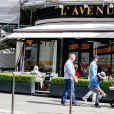 Tamara Ecclestone quitte le restaurant L'Avenue, dans le 8e arrondissement. Paris, le 4 mai 2015.