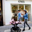 Tamara Ecclestone quitte la boutique Eres sur l'avenue Montaigne. Paris, le 4 mai 2015.