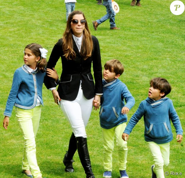 La princesse Maria Margarita de Bourbon pouvait compter sur le soutien de son mari le prince Louis et leurs enfants la princesse Eugenia et les jumeaux le prince Luis et le prince Alfonso au Longines Global Champions Tour à Madrid le 1er mai 2015
