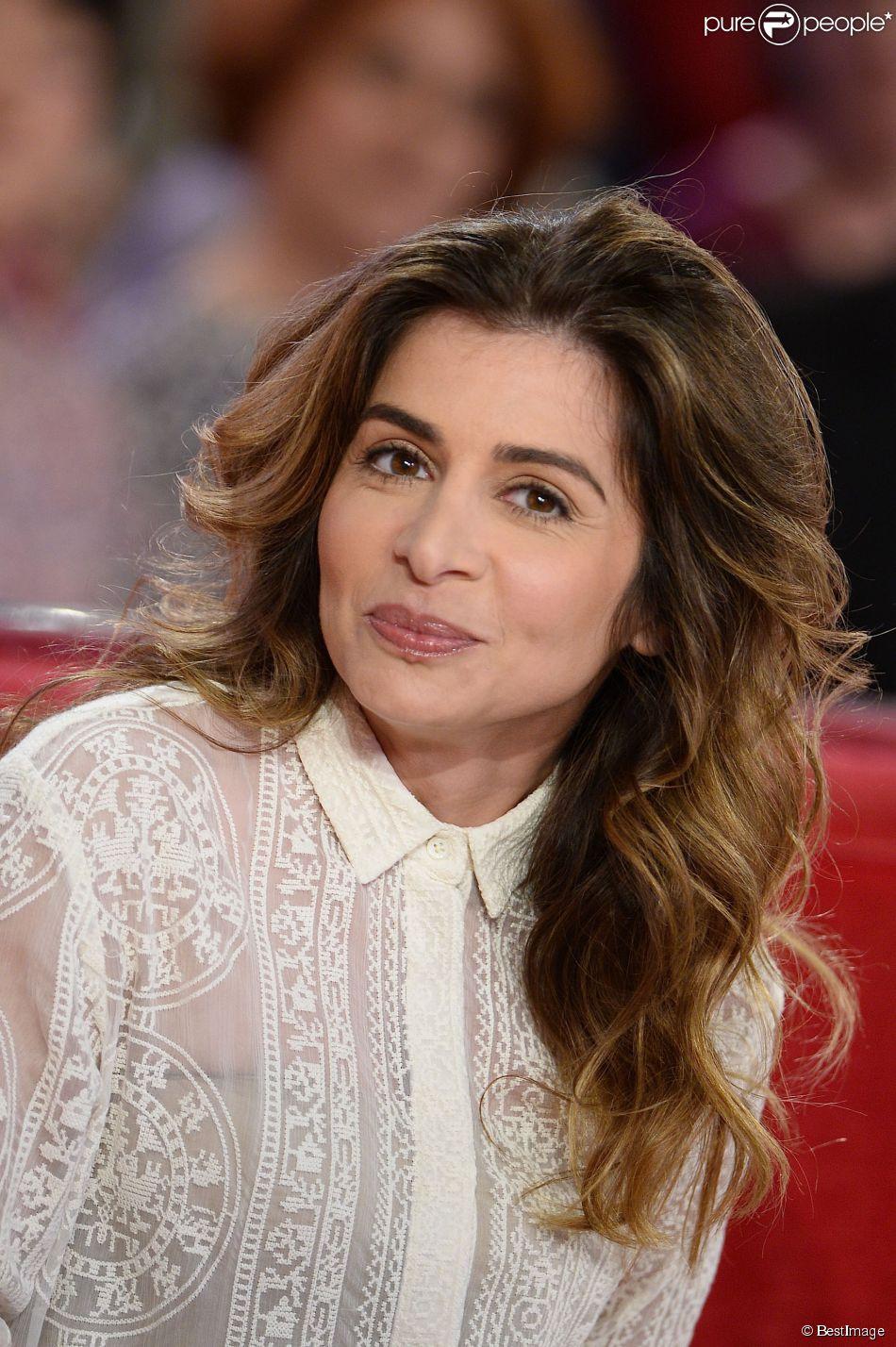"""Julie Zenatti - Enregistrement de l'émission """"Vivement Dimanche"""" à Paris le 8 avril 2015."""