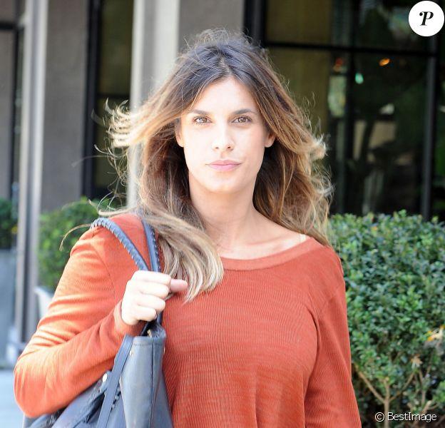Elisabetta Canalis, enceinte, se promène à West Hollywood, le 4 mai 2015.