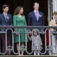 Le prince Nikolai, la princesse Marie, le prince Joachim, la princesse Athena, le prince Felix et le prince Henrik de Danemark lors du 75e anniversaire de la reine Margrethe II le 16 avril 2015 à Amalienborg