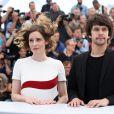 """Aggeliki Papoulia et Ben Whishaw - Photocall du film """"The Lobster"""" lors du 68e Festival International du Film de Cannes le 15 mai 2015"""