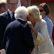 Windsor Horse Show : Elizabeth II et Camilla se font la bise, Zara fait mumuse
