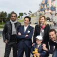 """Julien Kauffmann, Revenue Management et Analyses, Colonel Reyel, Valérie Trierweiler et Marc-Emmanuel - Lancement de la campagne """"Vacances d'été 2015"""" du Secours Populaire à Disneyland Paris. Le 16 mai 2015"""