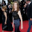 "Isabelle Huppert - Montée des marches du film ""Asphalte"" lors du 68e Festival International du Film de Cannes, le 17 mai 2015."