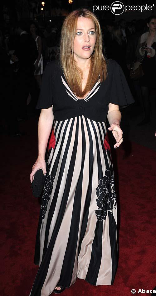 Gillian Anderson à la première à Londres de How to lose friends and alienate people