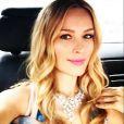 """Petra Nemcova, en route pour le Palais des Festivals et la montée des marches du film en compétition """"Sicario"""". Cannes, le 19 mai 2015."""