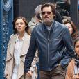 Jim Carrey se promène, main dans la main, avec sa chérie Cathriona White dans les rues de New York, le 18 mai 2015