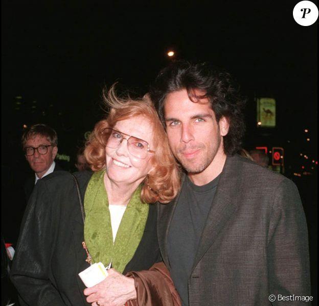 Ben Stiller et sa mère Anne Meara aux Etats-Unis en 1994
