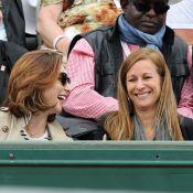 Elsa Zylberstein et Anne Gravoin complices : Duo de charme à Roland-Garros
