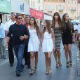 Sylvester Stallone avec sa femme Jennifer Flavin et ses filles Sophia, Sistine et Scarlet en vacances à Saint Tropez le 3 août 2013.