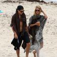 Heidi Klum et son amoureux Vito Schnabel en vacances à la plage à Saint-Barthélémy le 31 mai 2015