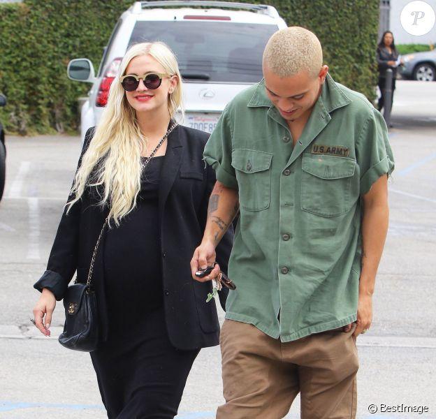 Ashlee Simpson, enceinte, et son mari Evan Ross son allés déjeuner au restaurant «Casa Vega»à Studio City, le 22 mai 2015