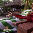 Jessica profite d'une nuit de confort dans Koh-Lanta 2015, le vendredi 12 juin 2015, sur TF1