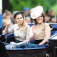 Les princesses Beatrice d'York et Eugenie d'York prenaient part le 13 juin 2015 à Londres à Trooping the Colour, partageant avec leur père le prince Andrew un landau lors de la parade annuelle en l'honneur de l'anniversaire de la reine Elizabeth II.