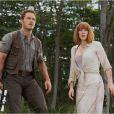 Chris Pratt et Bryce Dallas Howard dans Jurassic World.