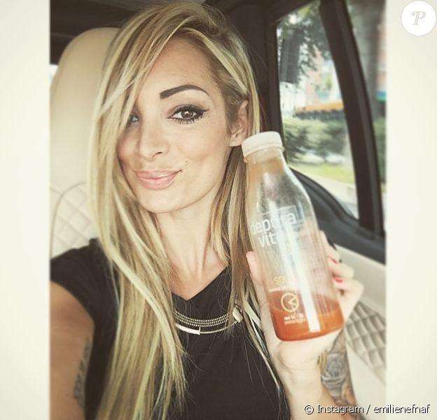 Emilie Nef Naf fait une cure detox. Juin 2015.