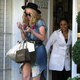"""Iggy Azalea à la sortie du centre de dermatologie """"Epione"""" à Beverly Hills, le 8 juin 2015."""