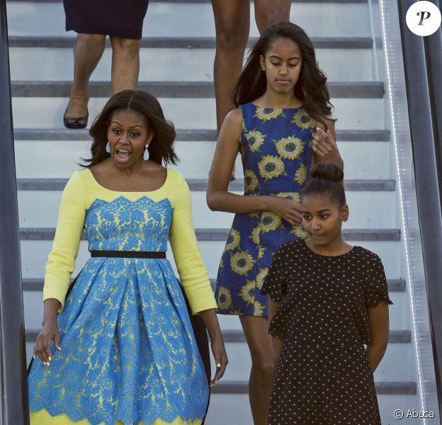Michelle Obama et ses filles Malia et Sasha arrivent au Royaume-Uni, le 15 juin 2015