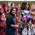 Michelle Obama en visite à la Mulberry School for Girls de Tower Hamlets, à Londres le 16 juin 2015