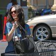 Rachel Bilson fait du shopping à Los Angeles le 19 juin 2015