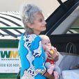 Rachel Bilson : sa fille Briar dans les bras de sa mère Janice en train de faire du shopping à Los Angeles le 19 juin 2015