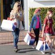 Denise Richards a fait du shopping avec ses filles Lola et Sam Sheen dans une boutique Fred Segal à West Hollywood, le 10 mars 2015.