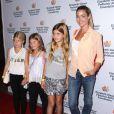 """Denise Richards et ses fille Sam et Lola - 25ème gala annuel """"A Time For Heroes"""" pour l'association """"Elizabeth Glaser Pediatric AIDS"""" à Culver City, le 19 octobre 2014."""