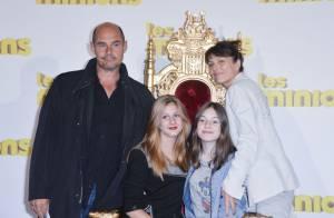 Bernard Campan, sa femme et leurs ravissantes filles : Un Inconnu au top !